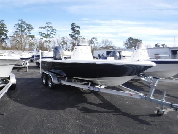 NauticStar 215 SHALLOW BAY DLX