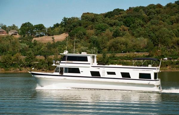 Pluckebaum Yacht
