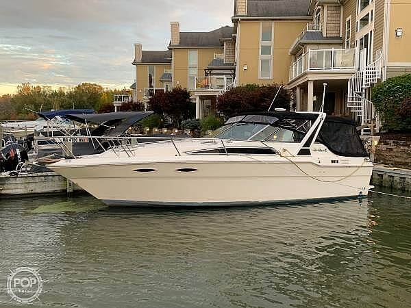 Sea Ray 300 Weekender 1988 Sea Ray 300 Weekender for sale in La Salle, MI