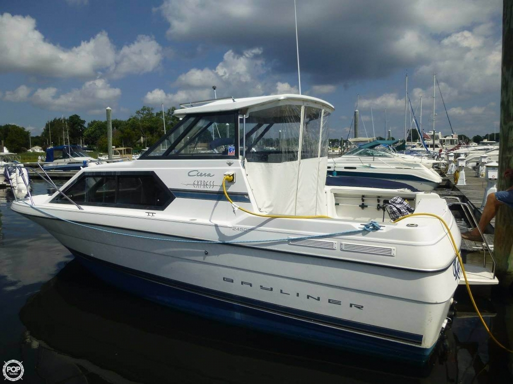 Bayliner 2452 Ciera 2001 Bayliner 24 Cierra Express for sale in Warwick, RI