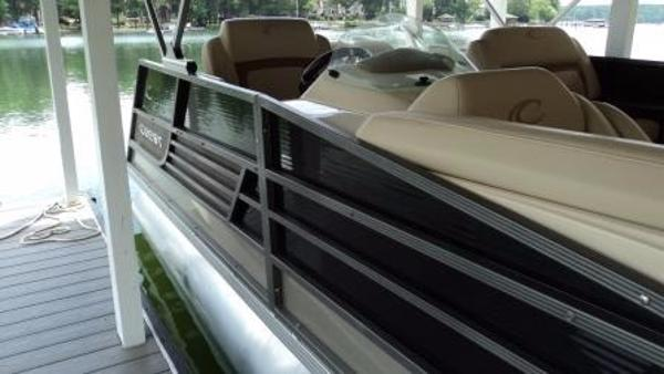 Crest Pontoon Boats 250 Savannah