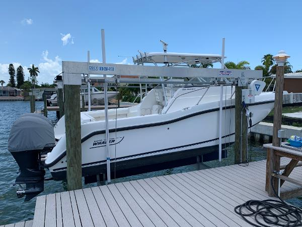 Boston Whaler 255 Conquest Starboard Hull