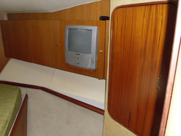 Forward Stateroom TV & Cabinest