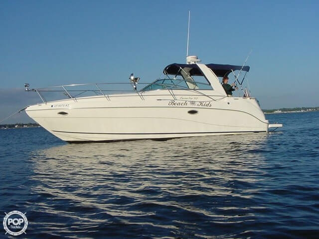 Rinker 310 Fiesta Vee 2000 Rinker 33 for sale in Shelton, CT