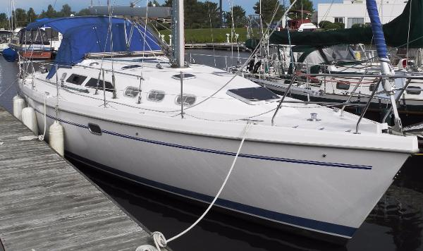 Catalina 380 Clean Fresh Water Catalina 380