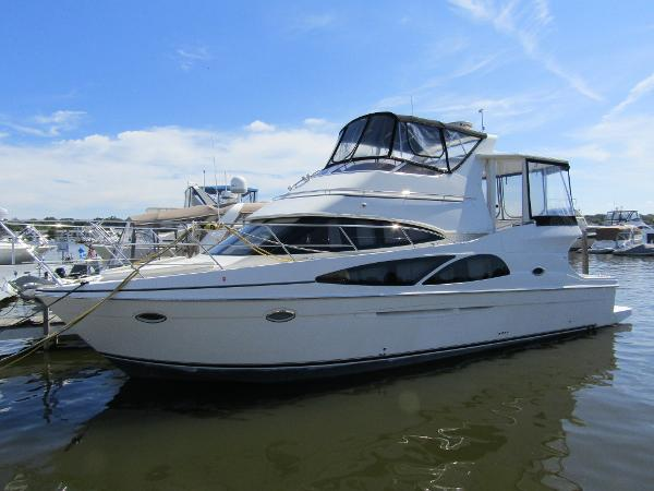 Carver 41 Cockpit Motor Yacht Exterior Profile