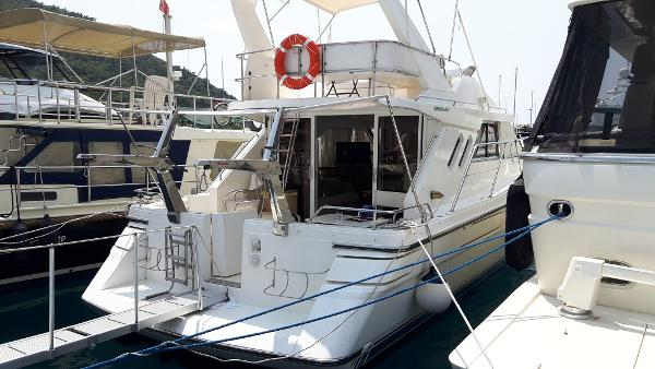 Marine Projects Fairline 43