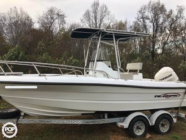 Triumph 210 Center Console 2004 Triumph 210CC for sale in Big Island, VA