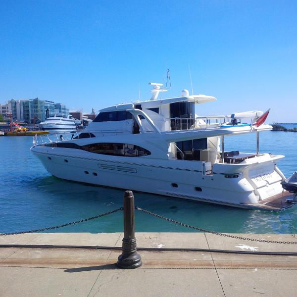 Dyna Yachts 77  Laguna