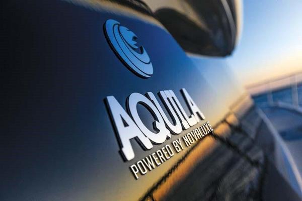 Aquila 44 by Nova Luxe
