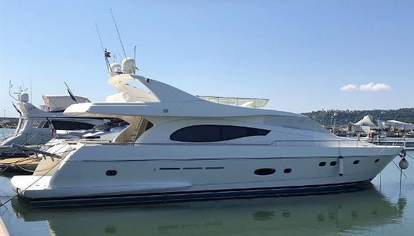 Ferretti Yachts FERRETTI 730