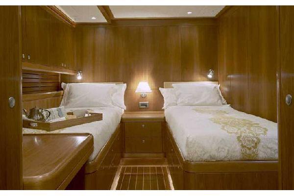 Nautor Swan 100 FD Guest Cabin