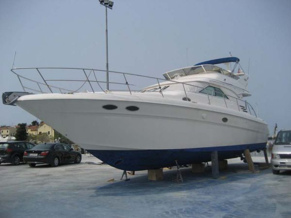 Sea Ray 400 Sedan Bridge Photo 1
