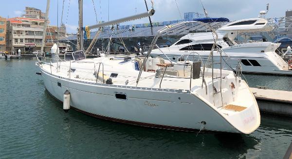 Beneteau Oceanis Clipper 381
