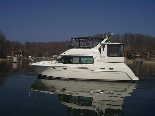 CARVER BOATS 406 Double Cabin Motoryacht