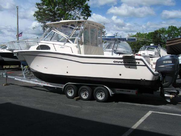 Grady-White 300 Marlin Starboard View