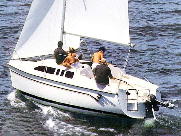 Hunter 26 Manufacturer Provided Image