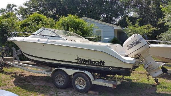 Wellcraft 210 Sportsman