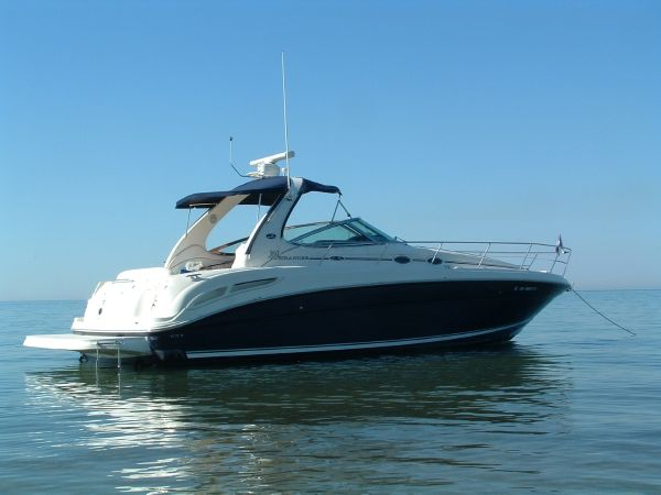 Sea Ray 360 Sundancer Mooring