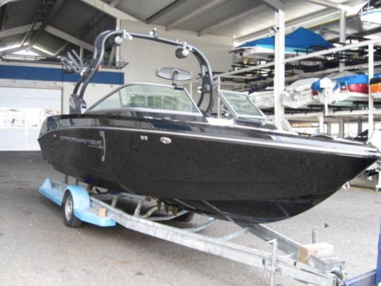 Correct Craft Nautique Boat Super Air 230