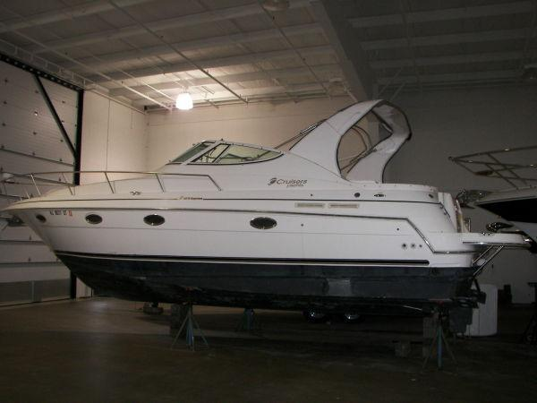 Cruisers 3372