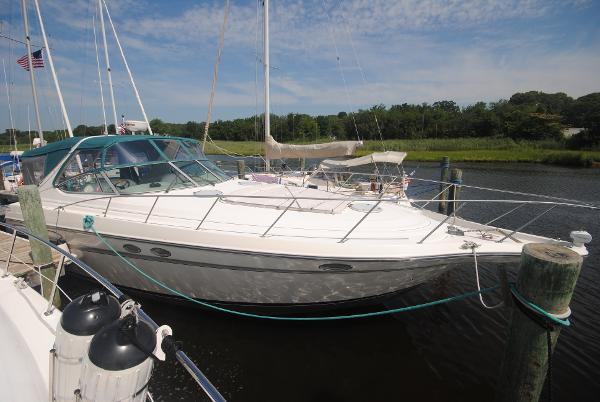 Maxum 4100 SCR Starboard