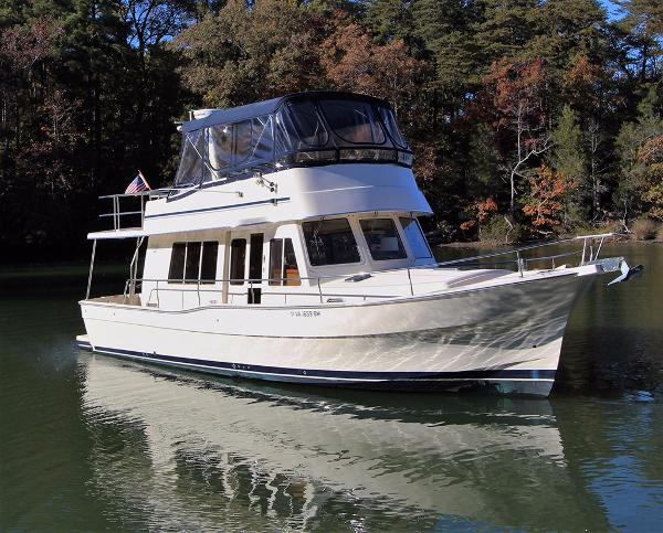Mainship 400 Trawler GRACEFULL