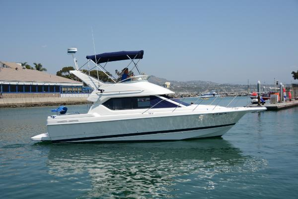 Bayliner 2858 Ciera Command Bridge Starboard Profile