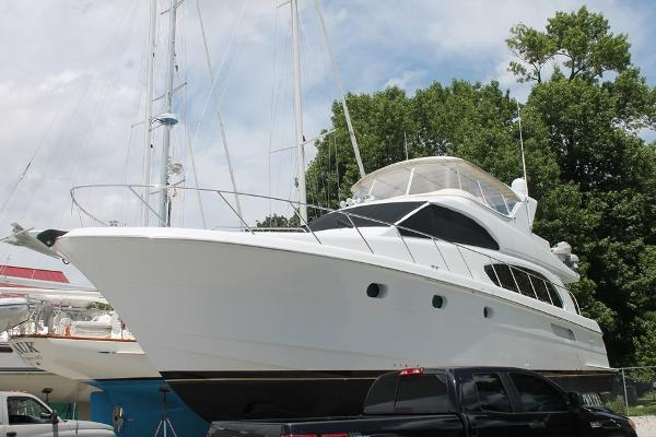 Hatteras '6300 Raised Pilothouse
