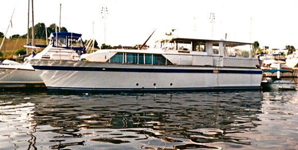 Chris-Craft Constellation Photo 1