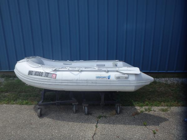 Newport 9' Dinghy
