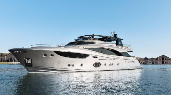 montecarlo yachts 105 fly