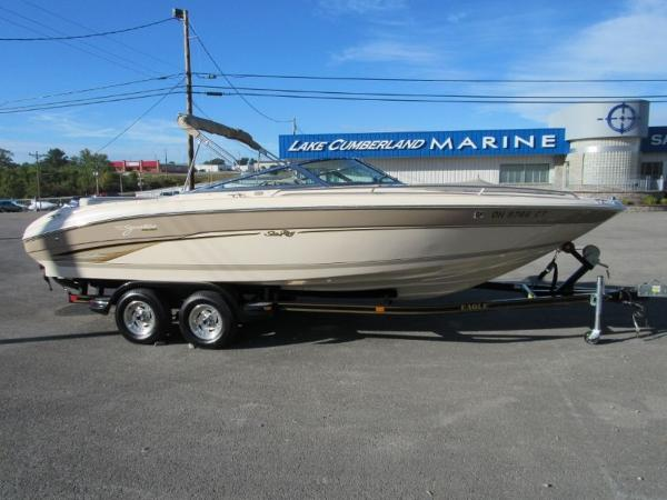 Sea Ray 230 BR Signature Select