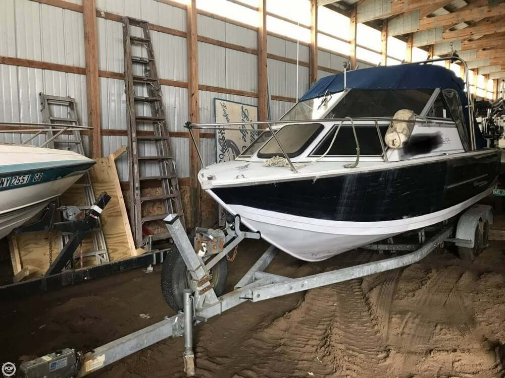 Crestliner SABRE 205 1994 Crestliner Sabre 205 for sale in Mexico, NY