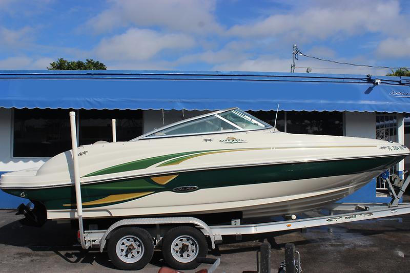 Sea Ray 200 Sundeck IMG_1313.JPG