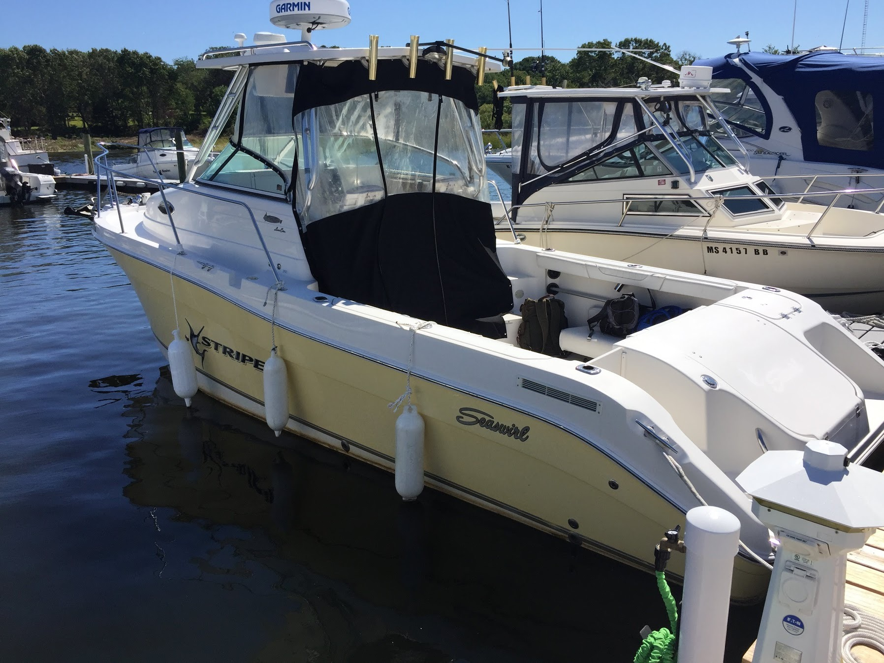 Seaswirl 2601 Striper