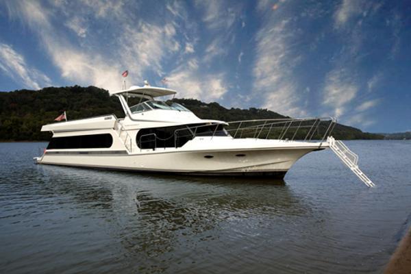 Bluewater 643 Coastal Cruiser