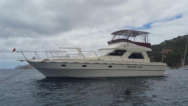 Vitech 49 motor yacht