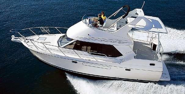 Bayliner 3587 Motoryacht Manufacturer Provided Image