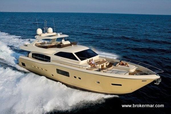 Ferretti Yachts Altura 69