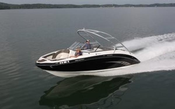 Yamaha 242 Limited S On The Water