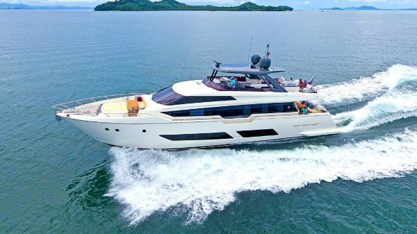 Ferretti Yachts 850 Ferretti Yachts 850
