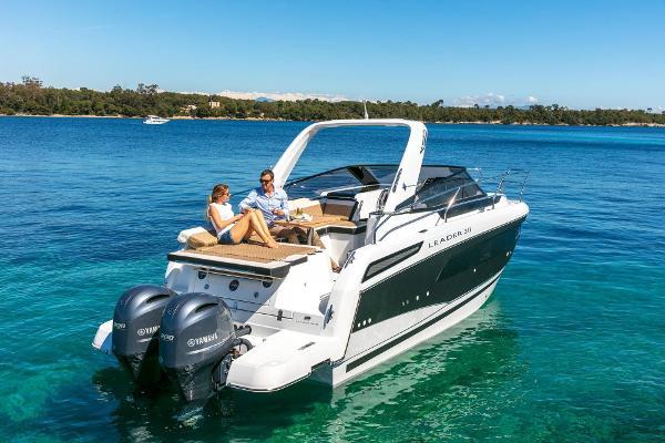 Jeanneau Leader 30 BoatShop Menorca - Jeanneau Leader 30 Outboard