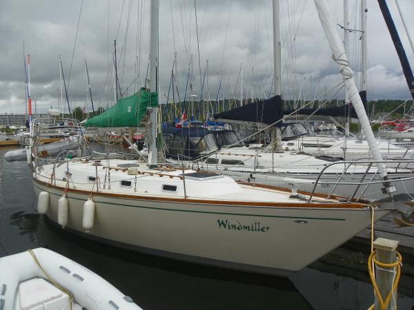 Tartan 37 centerboard dockside