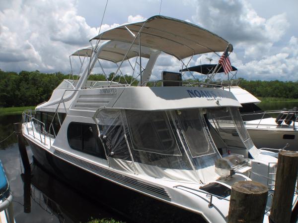 Bluewater 52 Cockpit Motor Yacht