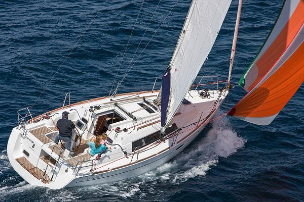 Beneteau America Oceanis 31 Manufacturer Provided Image