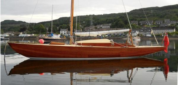 Classic Wooden Day Sailer 23
