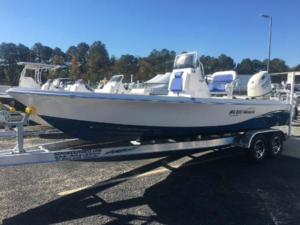 Blue Wave Boats 2200 PURE BAY