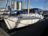 Dufour 39 CC for sale - Hull port side