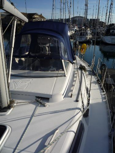 Dufour 39 CC for sale - Portside deck looking aft